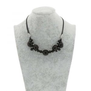 Jennyffer necklace with chicon and acai seeds - black