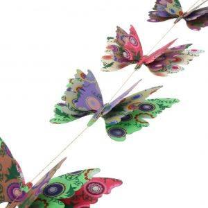 Vrolijke, kleurrijke slinger met 3D vlinders